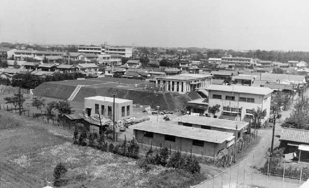 浄水場とその周辺 昭和40年代(写真:くにたち郷土文化館蔵)